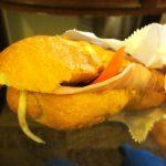 ベトナムのファストフード、バインミーを食べてミル(MILU)